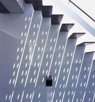 лестница с тенью