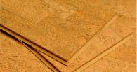 Укладка клеящегося плиточного пробкового покрытия