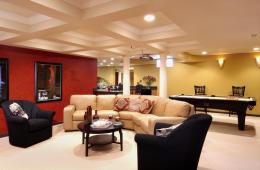 гостиная в подвале дома