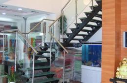 лестница из метала